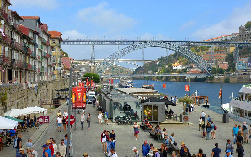 i-escape blog / 10 reasons why Portugal is perfect for a family holiday / Boutique Apartments Porto