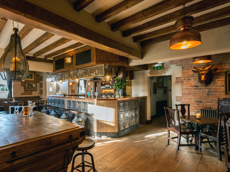 The i-escape blog / The 10 best UK summer pubs-with-rooms / The Cow Dalbury
