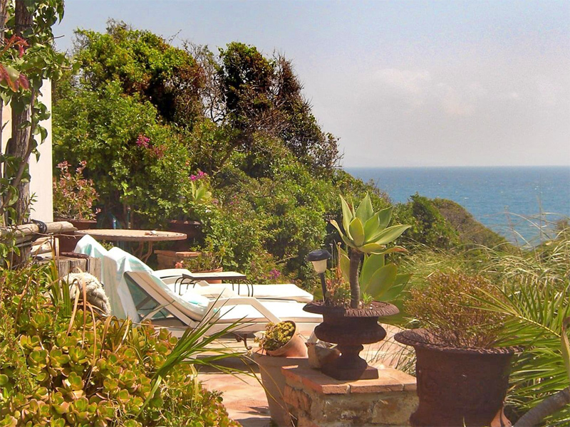 The i-escape blog / 9 Wildly Romantic Retreats in Europe / Casita La Laguna