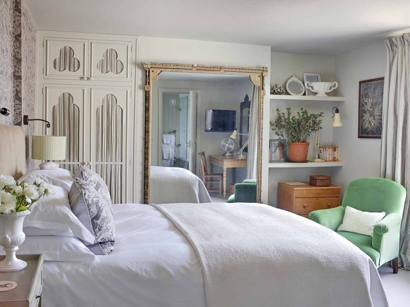 The i-escape blog / The 10 best UK summer pubs-with-rooms / The George in Rye