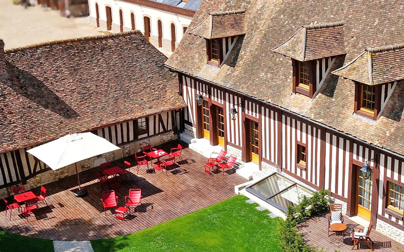 The i-escape blog / Summer in France: 8 secret family-friendly hideaways / Manoir de Surville