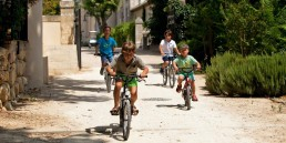 The i-escape blog / Summer in France: 8 secret family-friendly hideaways / Villas St Pierre de Serjac