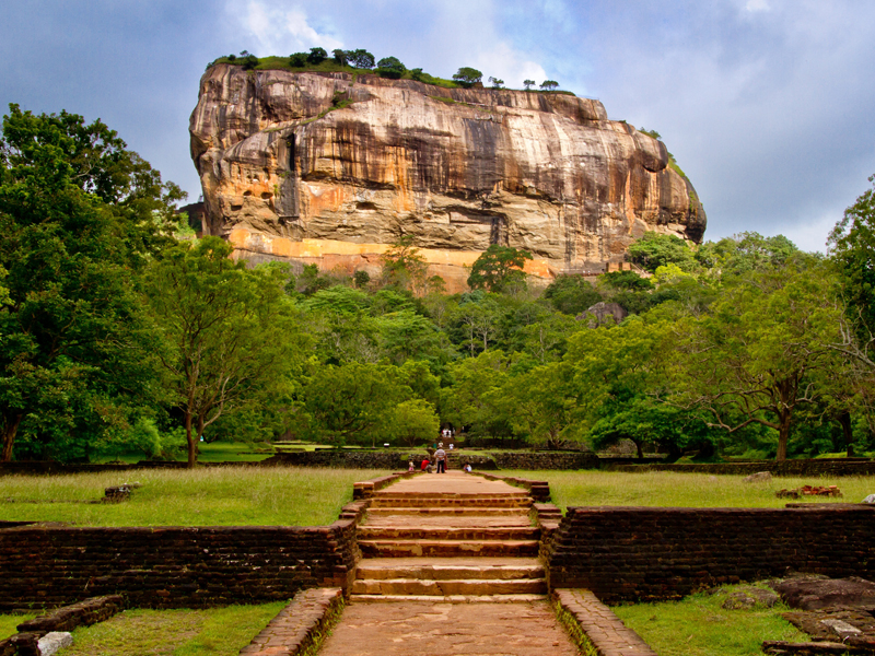 The i-escape blog / 7 Extraordinary Adventures for your Bucket List / Sigiriya Sri Lanka