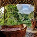 i-escape blog / Luxury hotel bathtubs with spectacular views / Bambuh Indah Bali