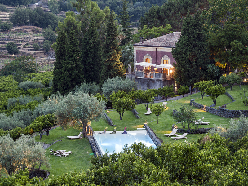 The i-escape blog / Last-minute family holidays for Summer 2019 / Monaci delle Terre Nere