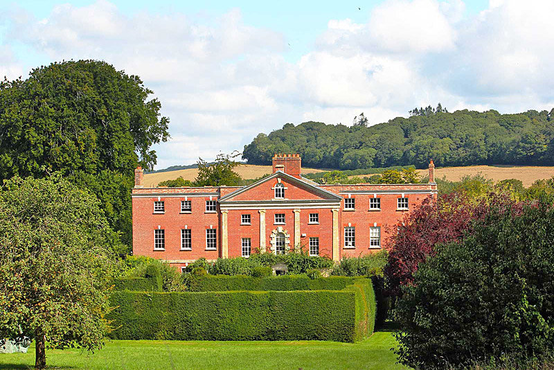 the i-escape blog / Great British summer escapes: 10 magnificent country-house retreats / 10 Castle Street