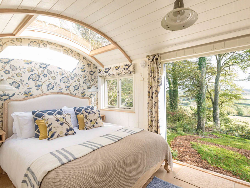 The i-escape blog / Where will a £500 voucher take you / Starbed Hideaways
