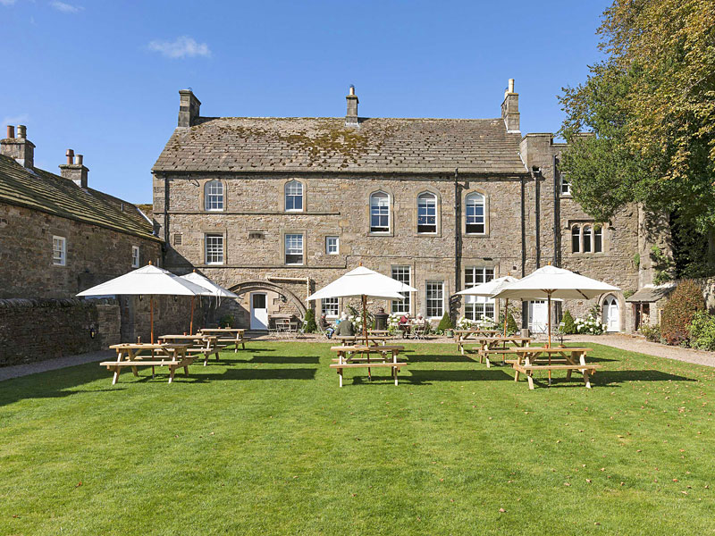 The i-escape blog / 9 post summer holiday escapes for parents / Lord Crewe Arms