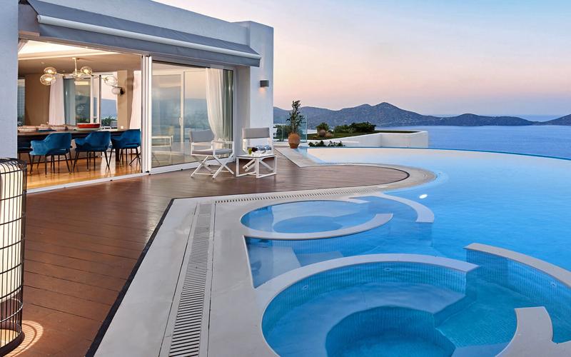 i-escape blog / Family villa clusters / Elounda Gulf Villas