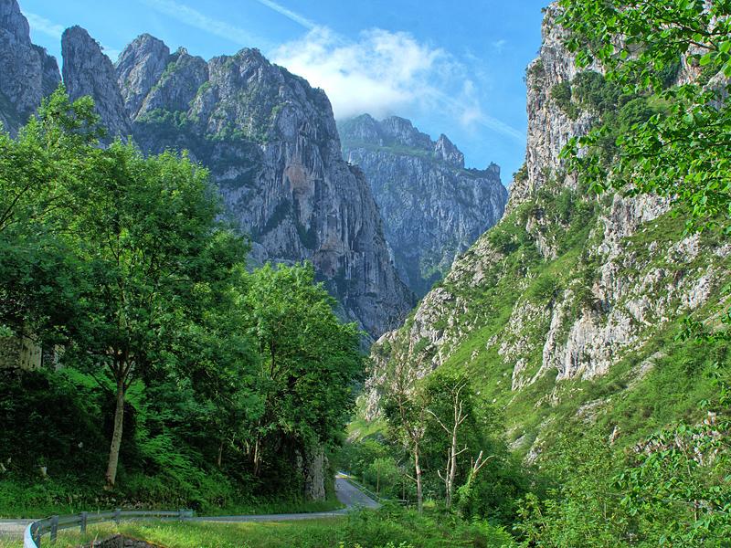 the i-escape blog / A guide to Asturias / Picos de Europa