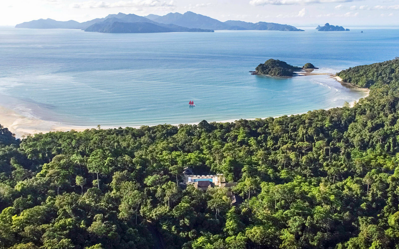i-escape blog / Favourite Family Beach Hotels / The Datai